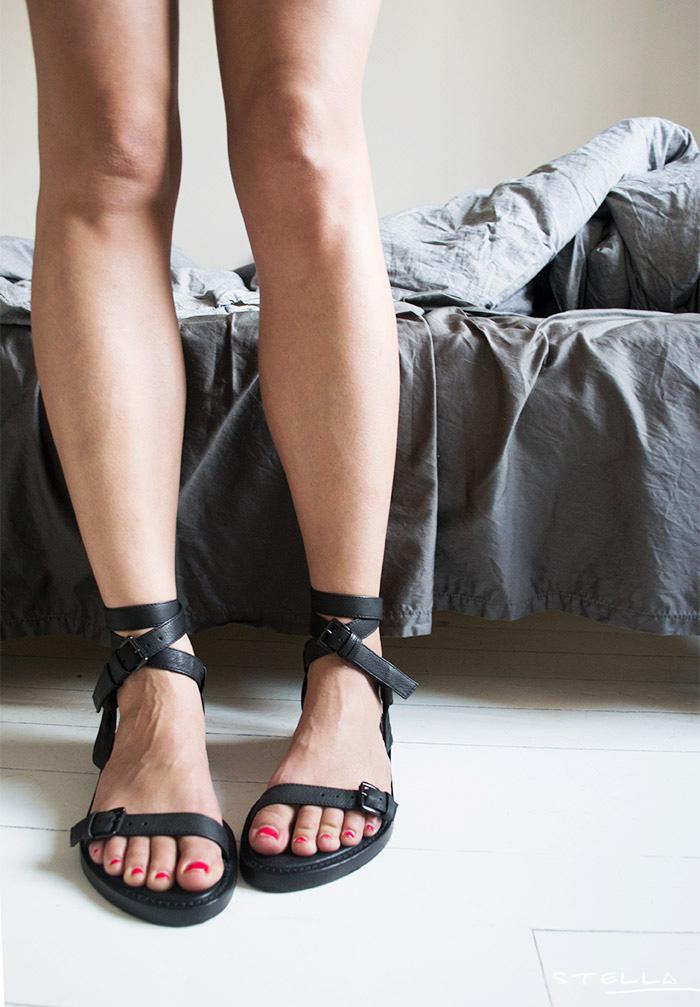 2014-06-19-stellaharasek-anndemeulemeester-sandals-1