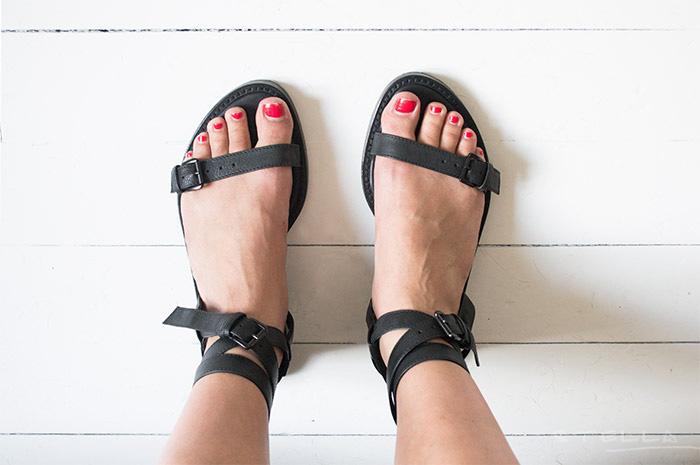 2014-06-19-stellaharasek-anndemeulemeester-sandals-3
