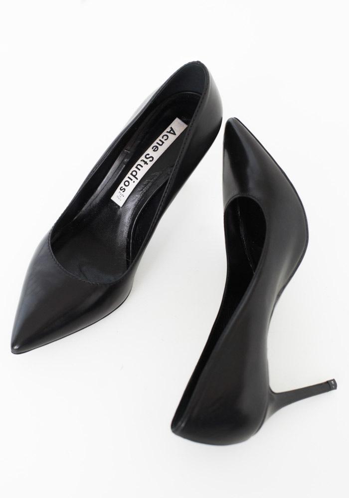 2014-08-26-stellaharasek-acne-heels